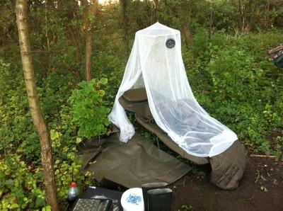 Bedchair mit Mückennetz